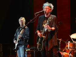 eric-clapton-bb-king-y-keith-richards-en-un-recital-historico